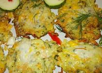Zapečené cuketové střapáčky s křupavou sýrovou krustou a koprem