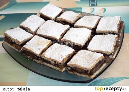Jablkový koláč s kakaovým pudinkem