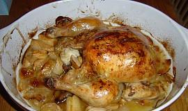 Kuře pečené s jablky
