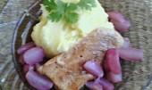 Kuřecí prsa se sladkým ředkvičkovým přelivem a bylinkovou bramborovou kaší