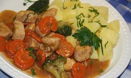 Kuřecí prsíčka s mrkví a brokolicí