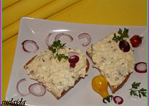 Pomazánka ze tří druhů sýra