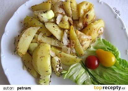 Provensálské brambory s cuketou