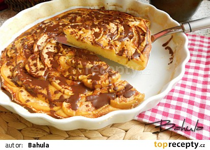 Rychlý jablkový koláč s čokoládou