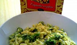 Špecle s brokolicí a nivou