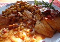 Tilapie zapékaná se sušenými rajčaty a Mozzarellou.