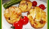 Vypečené  plněné brambory s uheráčkem, sýrem, a houbami.....