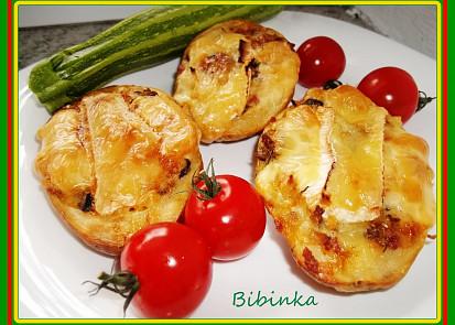 Vypečené plněné brambory s uheráčkem, sýrem a houbami...
