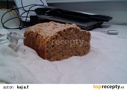 """Bezlepkový """"sedmizrnný"""" kváskový chléb"""