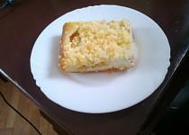 Bleskový koláč s broskvemi a kokosovou drobenkou