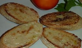 Bruschetta s pečeným česnekem