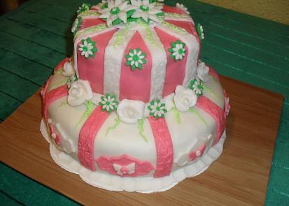 dort potažený marcipánovou hmotou