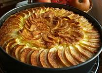 Jablkový koláč s tvarohem