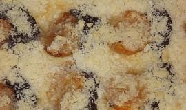 Koláč z bramborového těsta s broskvema a mákem