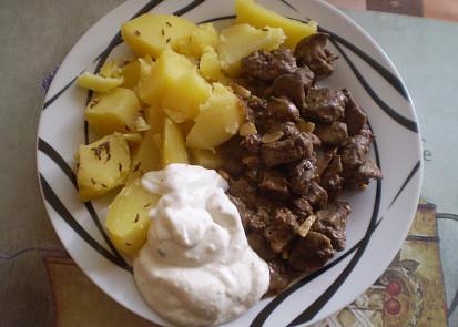 Podáváme s brambory a tatarkou