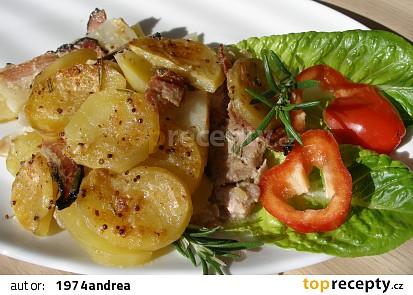 Kuřecí pod celerovo - bramborovým gratinem