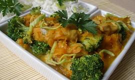 Mrkev s kuřecím a brokolicí
