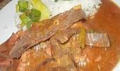 Ostrá játra na zázvoru, celeru a červeném víně