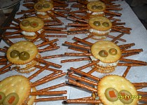 Pavouci - slané pohoštění nejen na Halloween