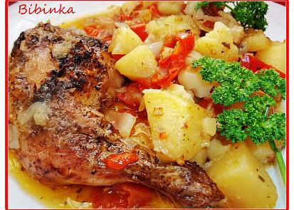 Staročeské kuře pečené v zelenině s přílohou