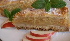 Šťavnatý jablečný koláč