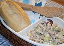 Sýrový salát s cizrnou