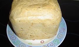 Bílý chléb s bylinkami a rajčátky