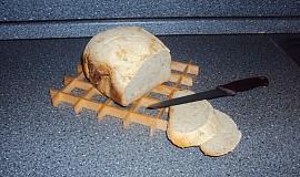 Chleba s majoránkou a cibulí