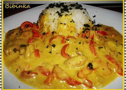 Curry kuře s paprikou, zázvorem a smetanou