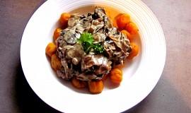 Dýňové gnocchi s houbovou omáčkou