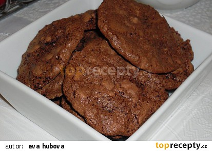 Kakaové pusinky s oříšky