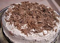 Kakaový dort s kávovou náplní