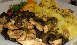 Kuřecí nudličky s houbami a pórkem