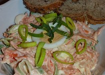 Salát z máslové tykve s jablkem, pórkem a vejcem