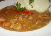 Vepřové ledvinky na zázvoru, uzenině a paprikách