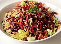 Barevný detoxikační salát