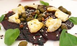 Carpaccio z červené řepy a grilovaným  sýrem