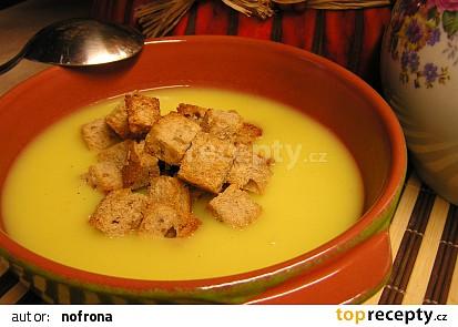 Celerový krém se sýrem a zázvorem