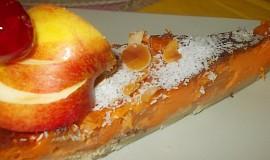Jemný  koláč s tvarohem a meruňkovo-mrkvovou marmeládou