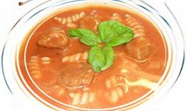 Rajská polévka s masovými knedlíčky a těstovinami