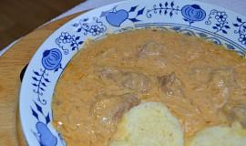 Segedínský guláš, jak ho vařila maďarská babička