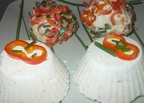 Sýrové překvapení z  lučiny, ořechů a sýrů