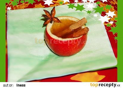 Vánoční drink pohoda v jablečném pohárku