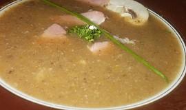 Zeleninový krém s květákem, řapíkatým celerem a houbami