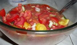 Barevný zeleninový salát