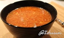 """Čínská """"červená"""" polévka"""