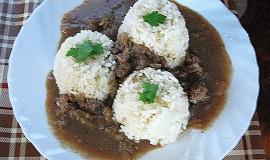 Drůbeží játra na cibulce s rýží