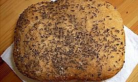 Kmínový výborný chléb z domácí pekárny