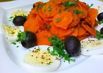 Pikantni mrkvovy salat (teply)