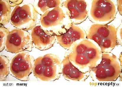 Piškotové jahodové dortíčky